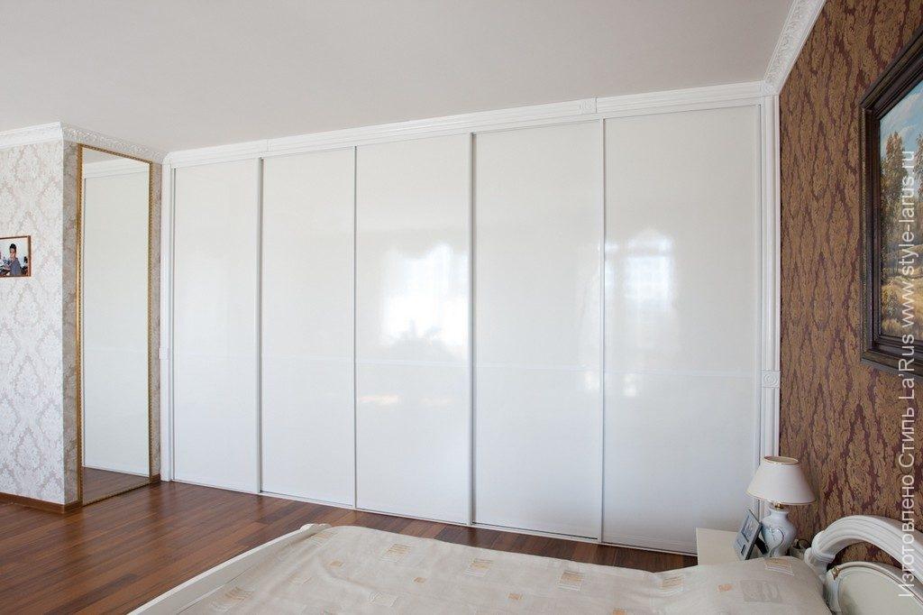 10.004. белоснежный шкаф.